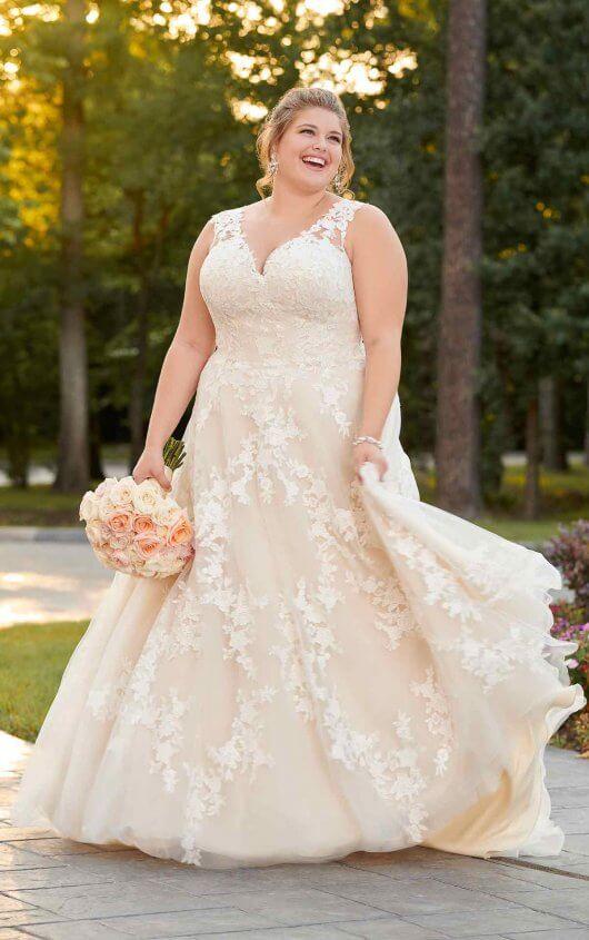 Plus size wedding dresses 6649-A1-Stella-York.EveryBody.EveryBride
