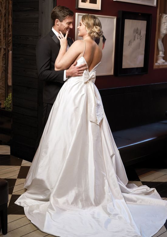 8927_FF_Iskra wedding dresses