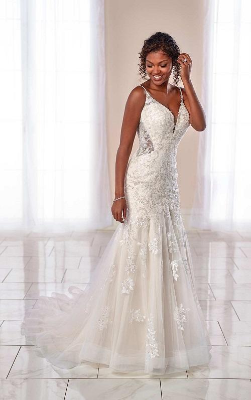 New-York-Bride-Groom-Syracuse-Stella-York-lace-wedding-dress-7041.